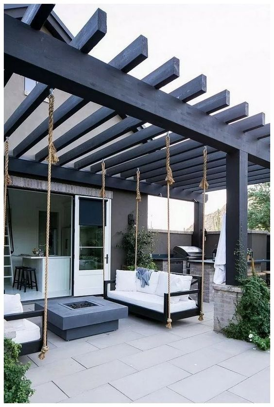 Backyard Furniture Ideas: Fun Sitting Area