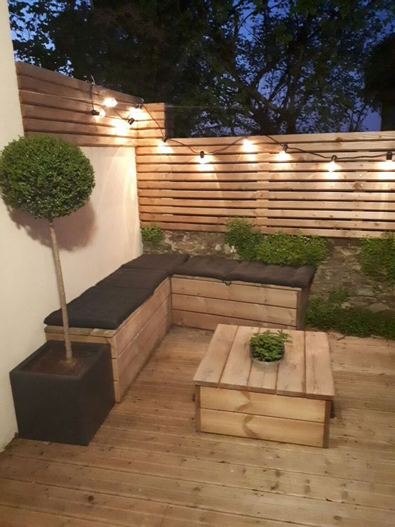 Backyard Furniture Ideas: DIY Wooden Furniture