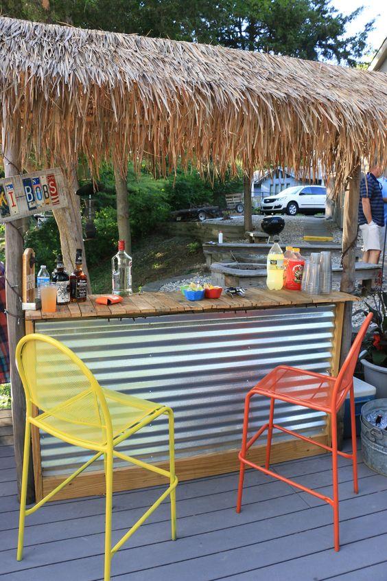Backyard Bar Ideas: DIY Tiki Bar