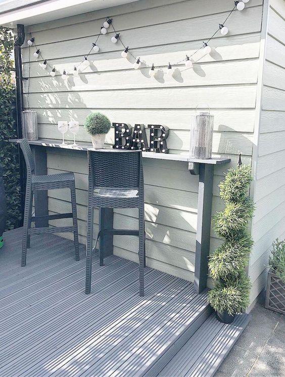 Backyard Bar Ideas: Simple Minimalist Bar