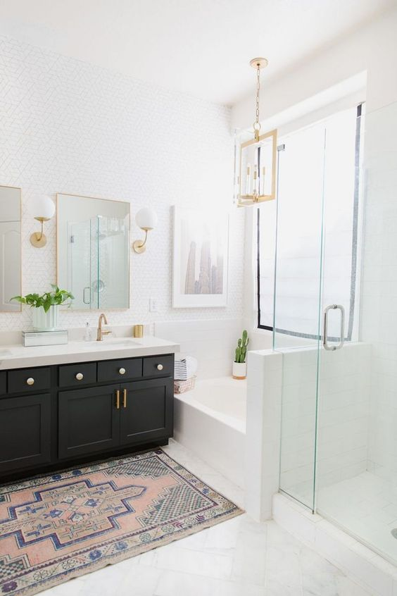 White Bathroom Ideas: Elegant Catchy Decor