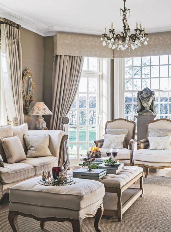 French Country Living Room: Elegantly Simple Decor