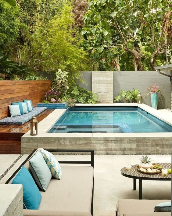 Small Swimming Pool: Stylish Cozy Patio