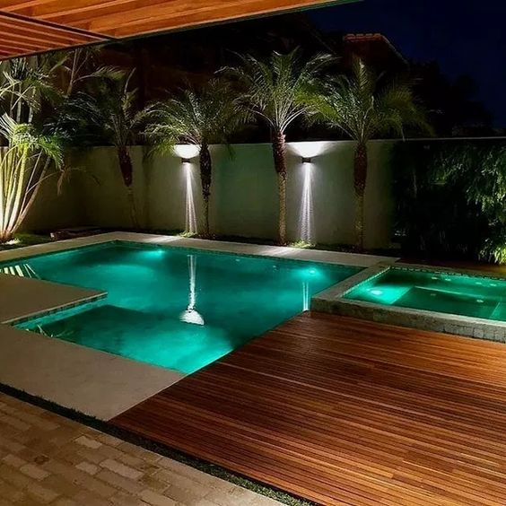 Swimming Pool with Hot Tub 18