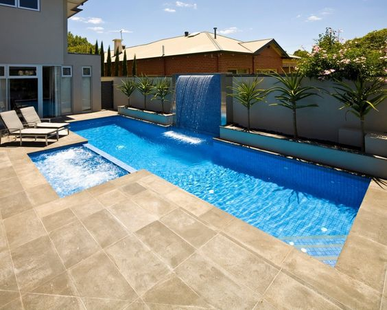 Swimming Pool with Hot Tub 20