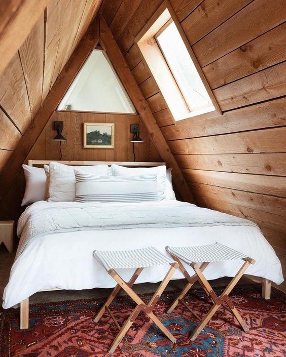 Attic Bedroom Ideas: Catchy Earthy Decor
