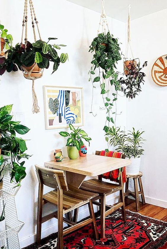 eclectic dining room 17