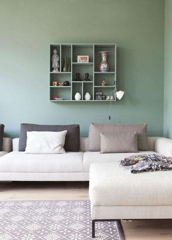 Green Living Room: Chic Earthy Decor