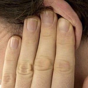 Чеснок в ухо от чего помогает. Чеснок в уши от насморка. Возможные побочные эффекты