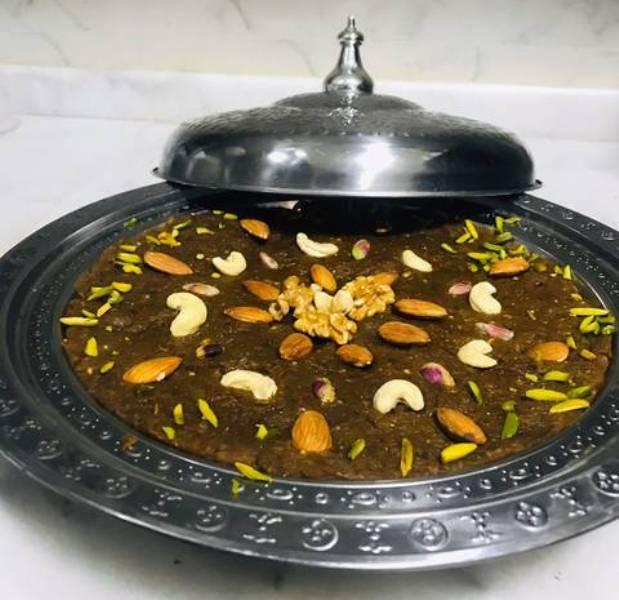 وصفة خبيصة التمر حلى شعبي عماني من المطبخ العماني التقليدي القديم