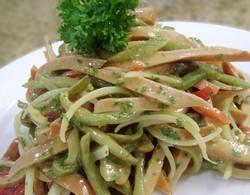 salad xuc xich