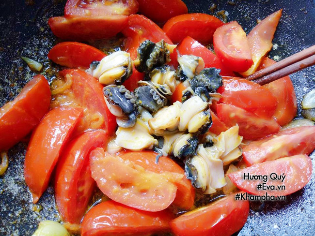Tuyệt chiêu nấu bún ốc sườn sụn thơm lừng góc bếp đãi cả nhà bữa sáng cuối tuần - 4