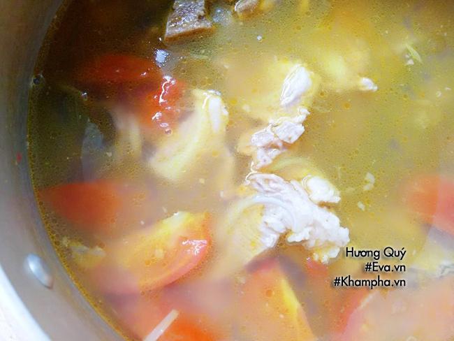 Tuyệt chiêu nấu bún ốc sườn sụn thơm lừng góc bếp đãi cả nhà bữa sáng cuối tuần - 5