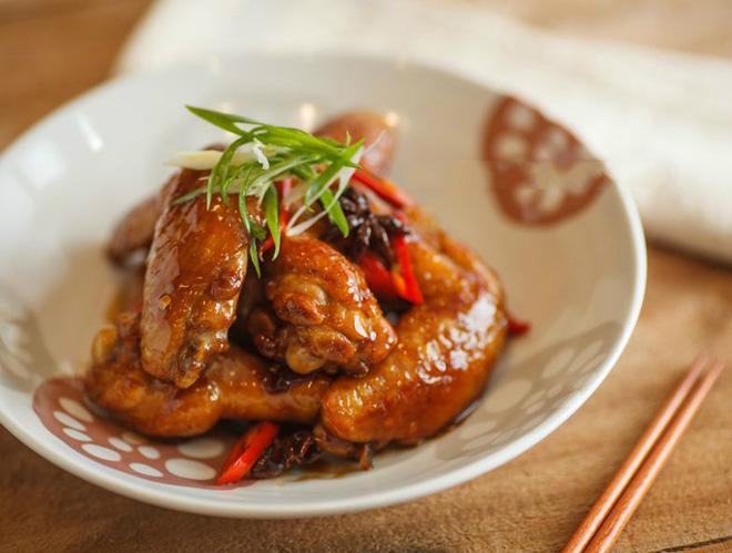 Trời lạnh ăn cánh gà rim mắm ớt thì bao nhiêu cơm cũng hết veo - Ảnh 6.