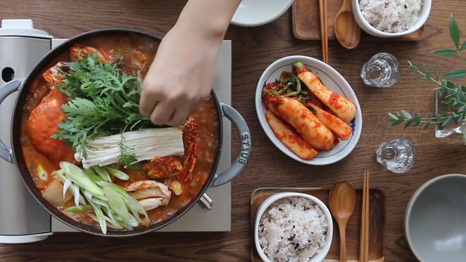 Món ngon cuối tuần: Lẩu cua Hàn Quốc - Ảnh 7.