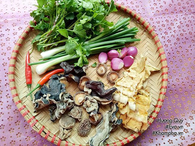 Canh măng khô móng giò mềm ngon mang hương vị truyền thống ngày Tết - 2