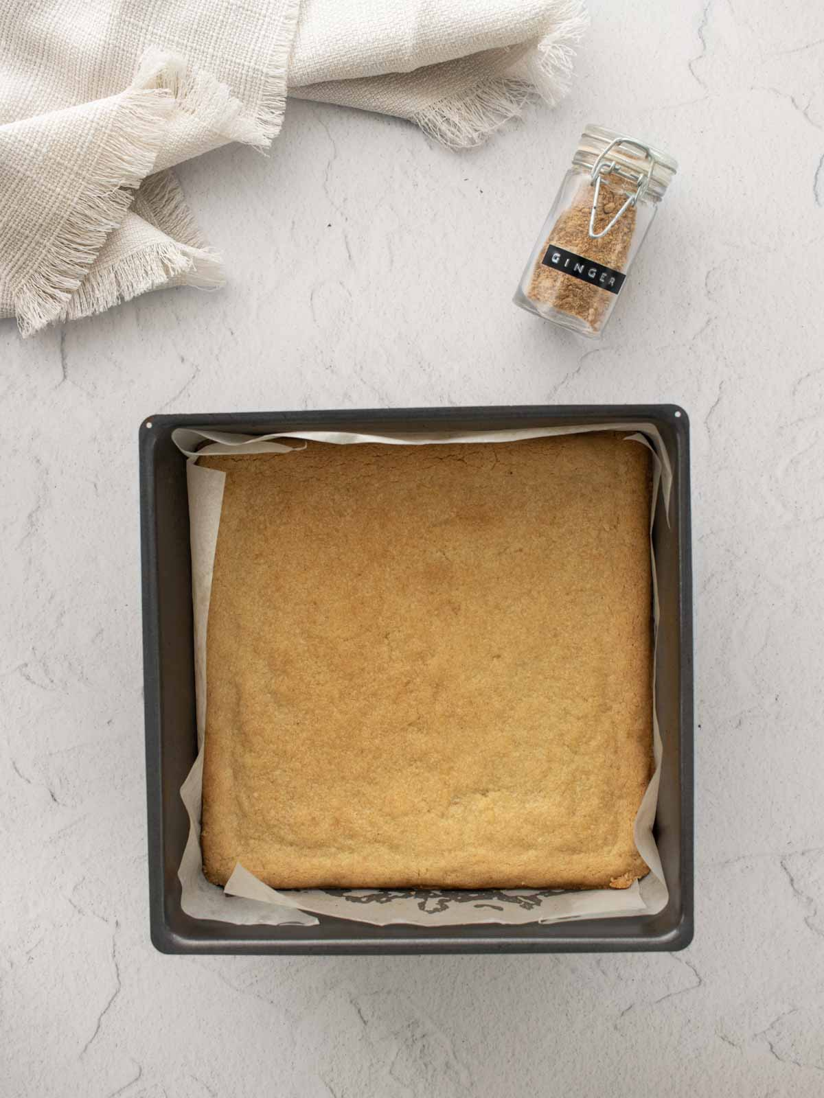 baked ginger crunch base