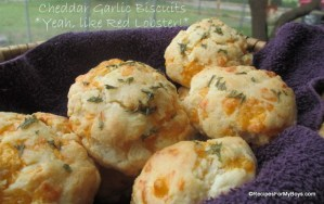 Read more about the article Cheddar Garlic Biscuits
