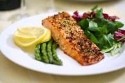 Grilled Salmon Asparagus Salad