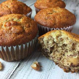How to Make Banana Nut Muffins