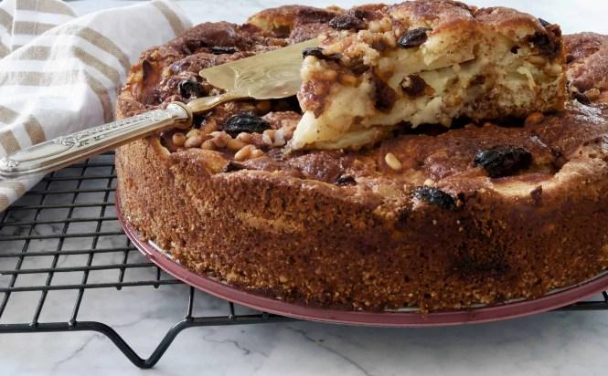 Sicilian apple cake