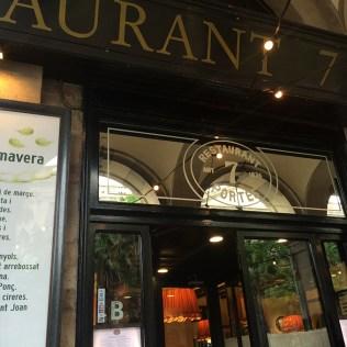 Façade du restaurant 7 Portes à Barcelone