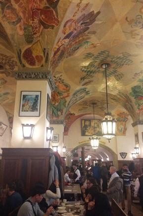 Intérieur d'une brasserie typiquement Bavaroise, Munich