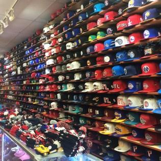Magasin de casquettes à Harlem, New York