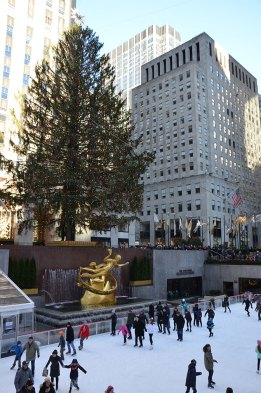 Patinoire du Rockefeller Center sous le grand sapin de New York