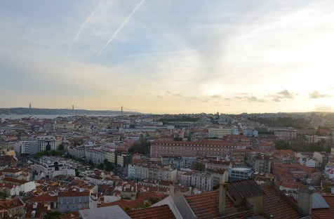 Coucher de soleil sur les toits de Lisbonne, Portugal