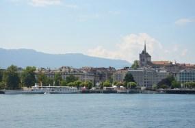 Vue sur Genève depuis le Lac Léman