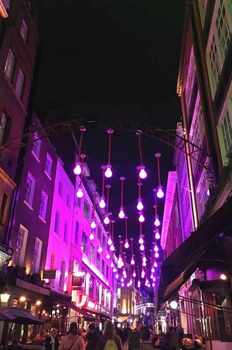 Rue de Soho de nuit, Londres