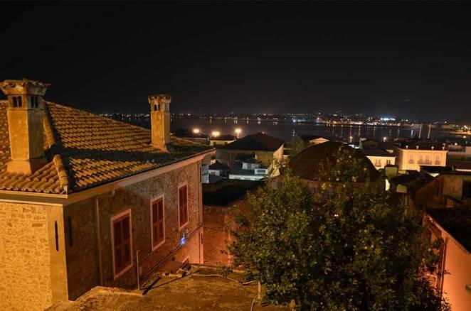 Vue sur Nauplie de nuit, Grèce