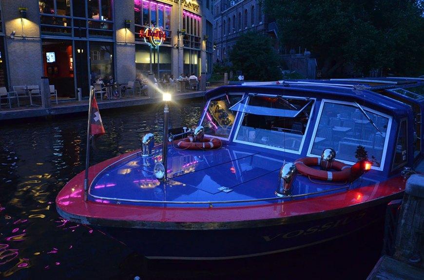 Notre bateau pour la balade de nuit sur les canaux d'Amsterdam
