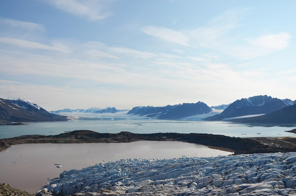 Photo drone de la magique Baie de Monacobreen, Svalbard