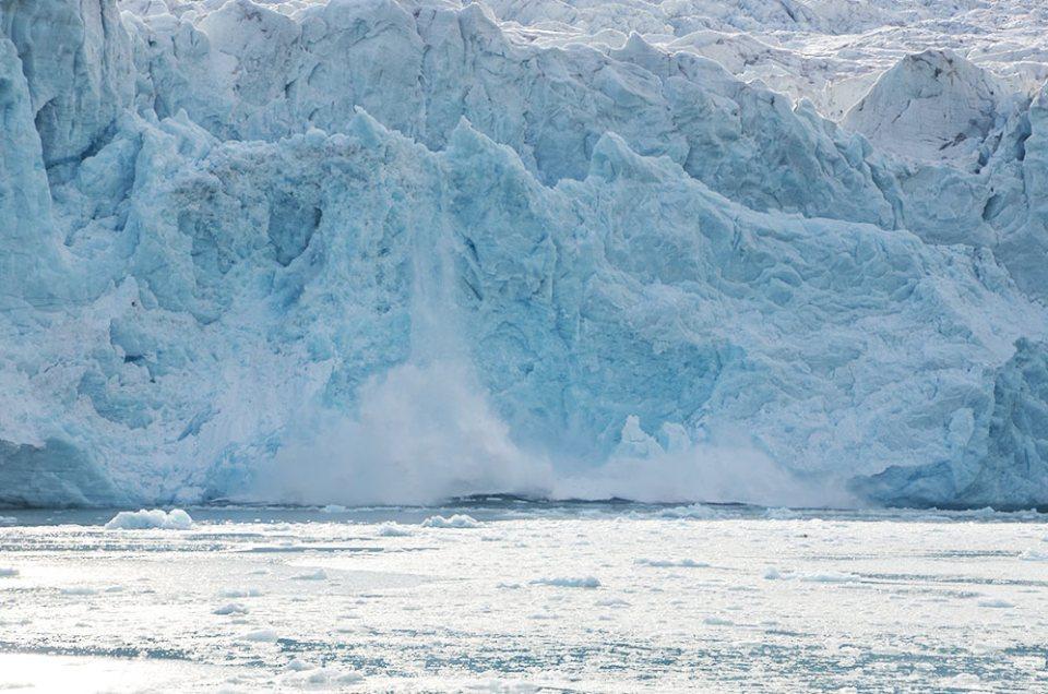 Magnifique glacier qui vèle