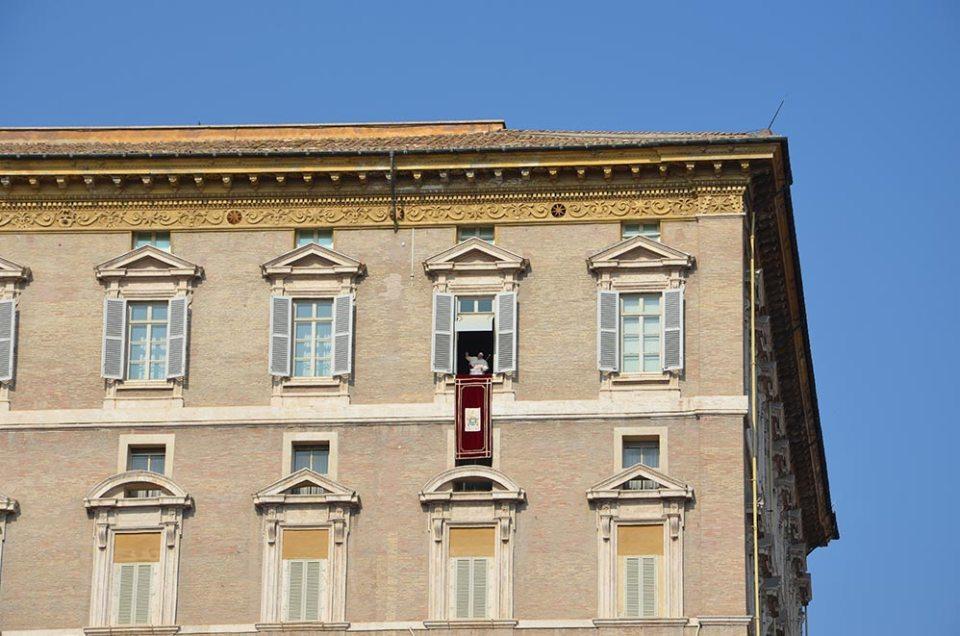 Pape à la fenêtre pour l'homélie du dimanche, Vatican, Rome
