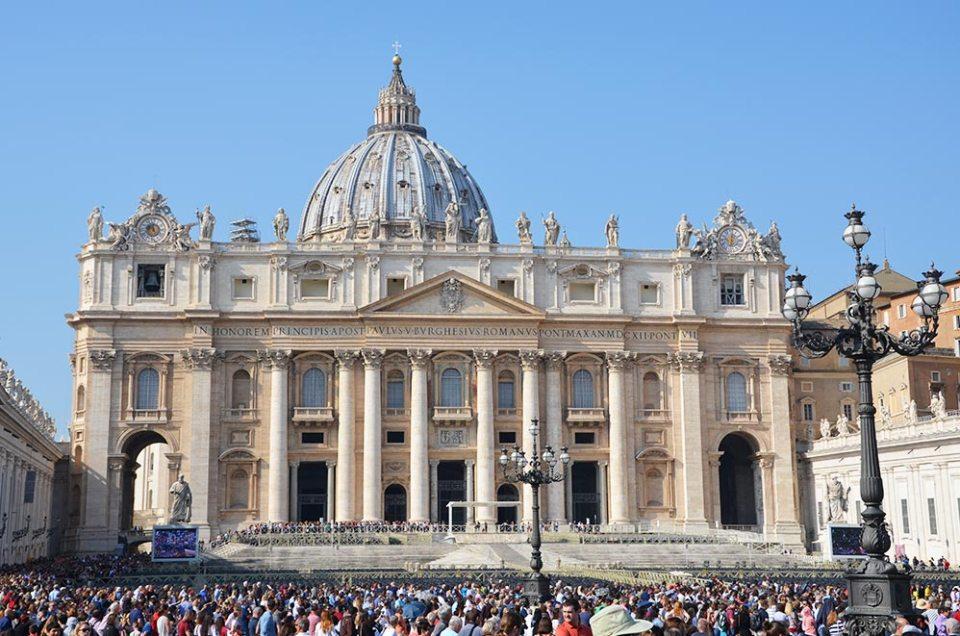 Place Saint Pierre, Vatican, Rome, Italie