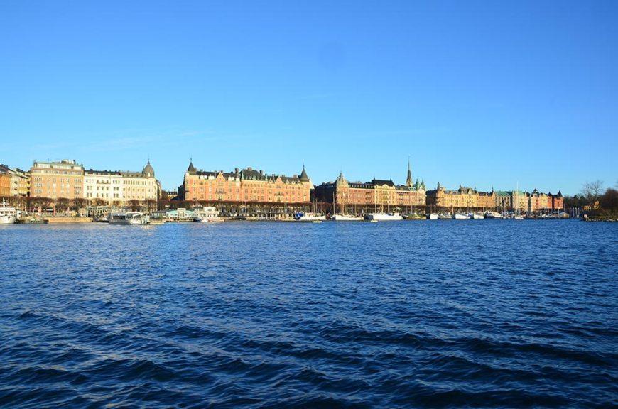Vue sur Stockholm depuis un bateau de jour, Suède