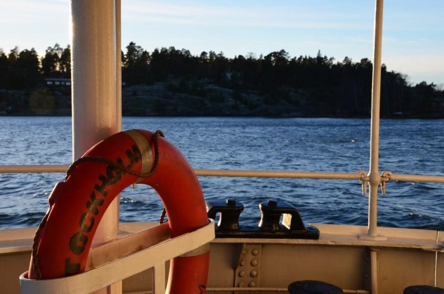 Vue du bateau sur les fjords de Stockholm, Suède