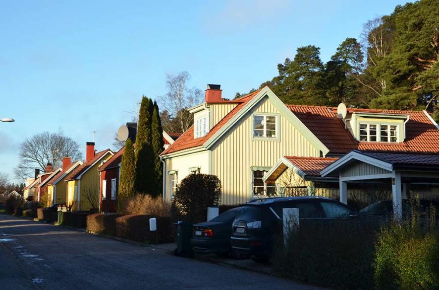 Maisons colorées dans les quartiers résidentiels de Stockholm, Suède