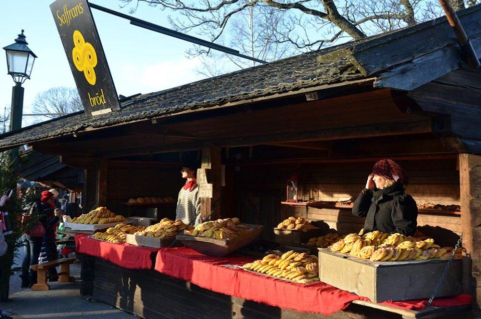 Boutique qui vend des gâteaux au safran du marché de Skansen, Stockholm, Suède