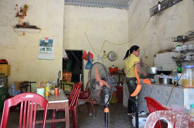 Restaurant, Tam Coc, Baie d'Along terrestre, Vietnam