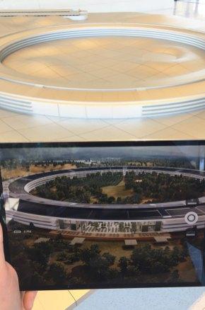 One infinite loop, Apple Campus, California, USA
