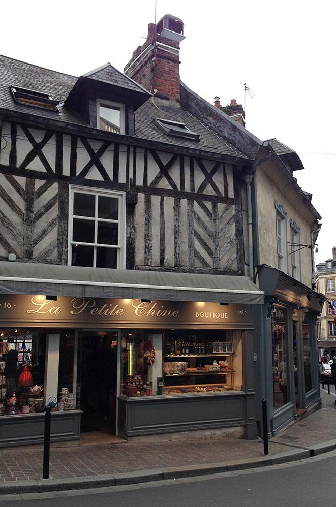 Salon de thé, la petite chine, Honfleur, Normandie