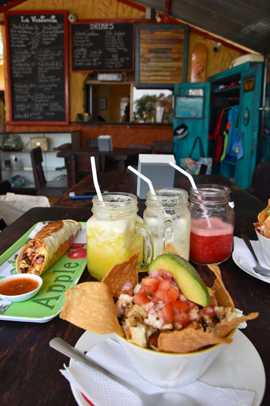 Déjeuner dans un soda, resto typique costaricien