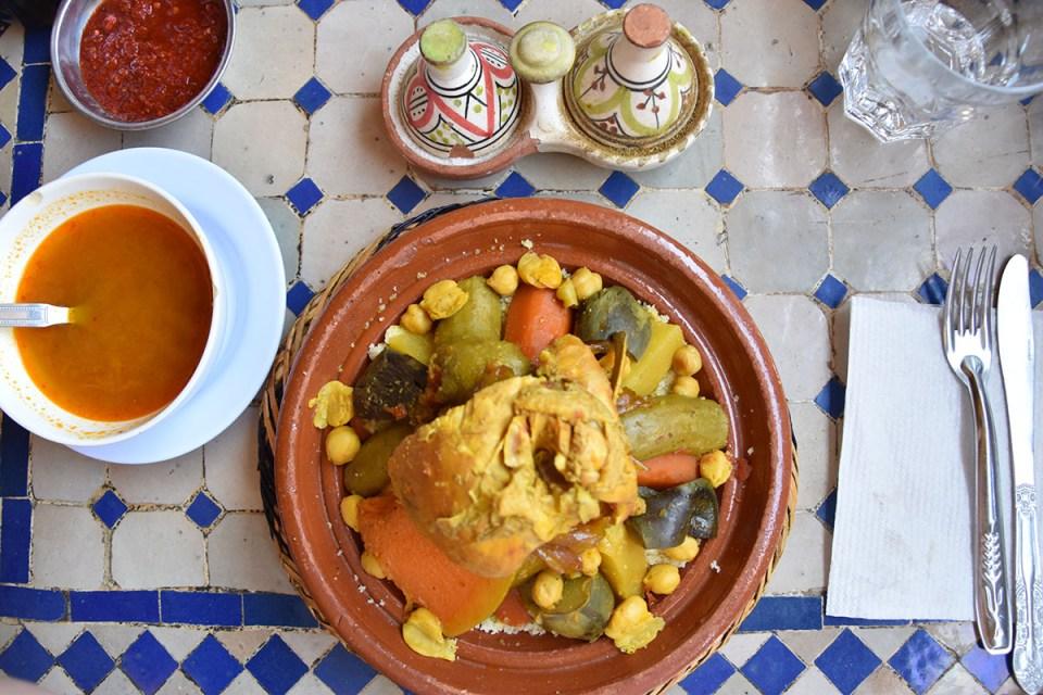 Vue sur un plat de couscous, Marrakech