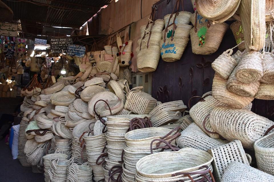 Magasin de paniers dans le souk de Marrakech