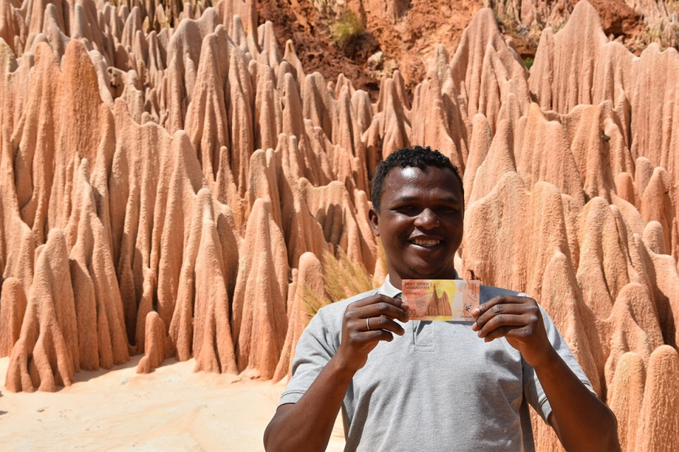 Didi Guide Madagascar, Tsingy rouges