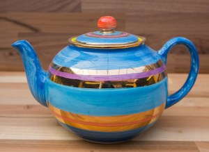Lustre Horizontal small teapot in No.01